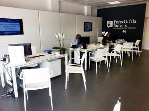 silleria  modelo ARA de Jorge Pensi para la firma Pedrali